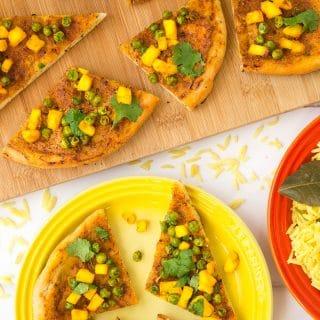 Naan tandoori 'pizza'