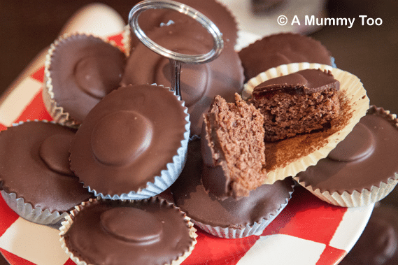 MUST TRY! Home made jaffa cake fairy cakes - so easy and so yummy