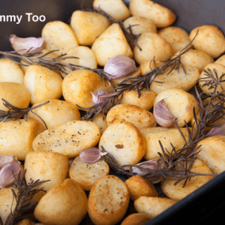 Rosemary and garlic infused roast potatoes (recipe)