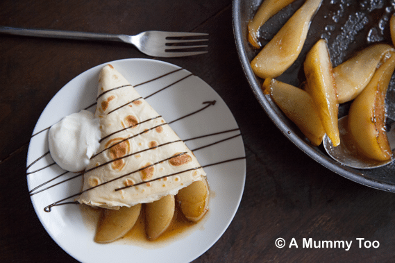 Pancakes with chocolate and caramelised pears