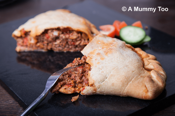 Meaty bolognese calzone (recipe)