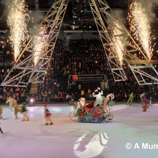 Disney on Ice presents Let's Party! (aka when JD and I had a thoroughly fantastic evening)
