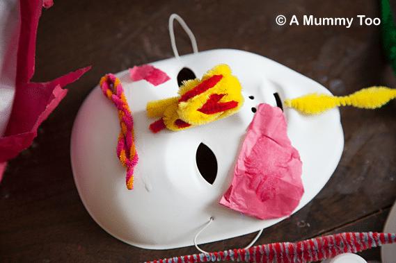 mask-decoration