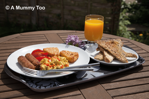These vegan 'scrambled eggs' are actually flavourful and perfectly textured scrambled tofu.