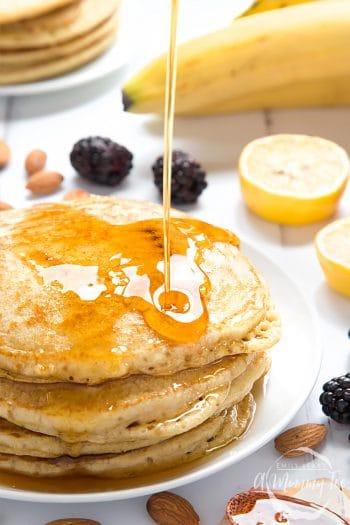 Vegan, fluffy pancakes – no eggs, no dairy