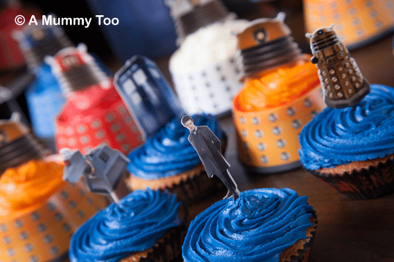VERY COOL Doctor Who 50th Anniversary Cakes (includes full recipe)