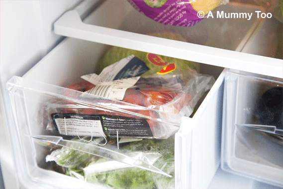 Hotpoint-Fridge-crisper-drawer
