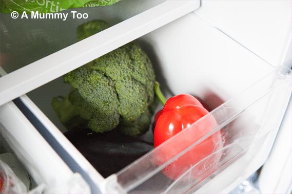 Hotpoint-Fridge-vegetable-crisper