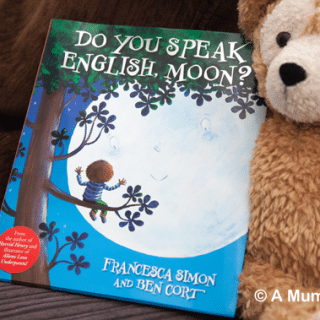 Do You Speak English, Moon? (children's picture book review)