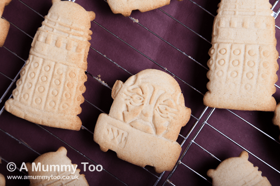 Dalek and Sontaran cinnamon cookies (Doctor Who 50th Anniversary celebration recipe)