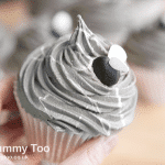 Rock and cobweb frosted fly cakes (Halloween themed recipe)
