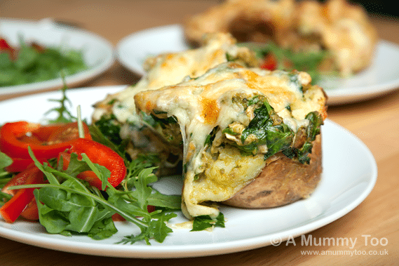 Baked-potato-with-pesto-chicken