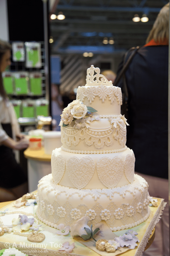 wedding-cake-from-moulds