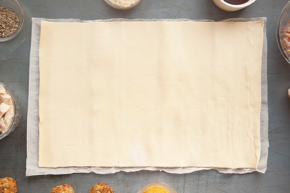 Unroll a sheet of pastry