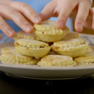 Easy Mince Pies (video recipe)