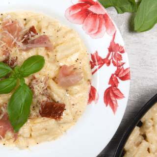 No ordinary mac n cheese – French mustard, sun dried tomatoes and prosciutto ham (recipe)