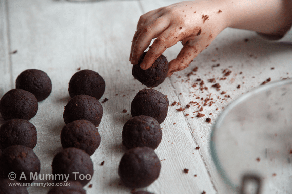 Creating chocolate cake pops from cake
