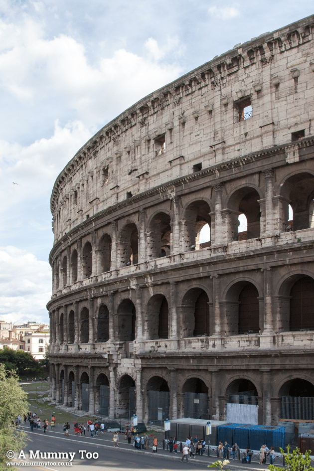 Rome-Emily-Leary-amummytoo---alternative-colloseum-view