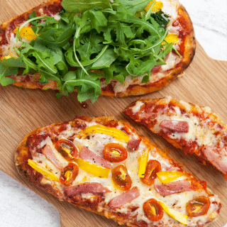 Quick meal: naan bread pizzas