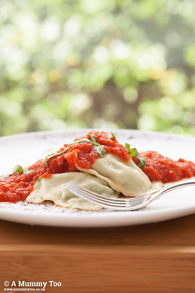 ravioli-with-tomato-sauce-sharpened