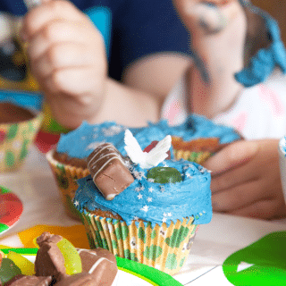 An Unbirthday Cake Decorating Party for around £60