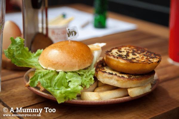 nandos-kids-chicken-burger