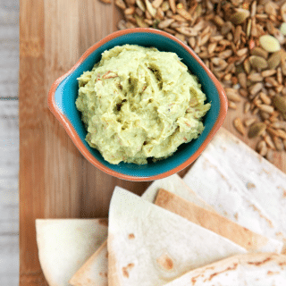 Seeded avocado chilli houmous (no tahini, vegan)