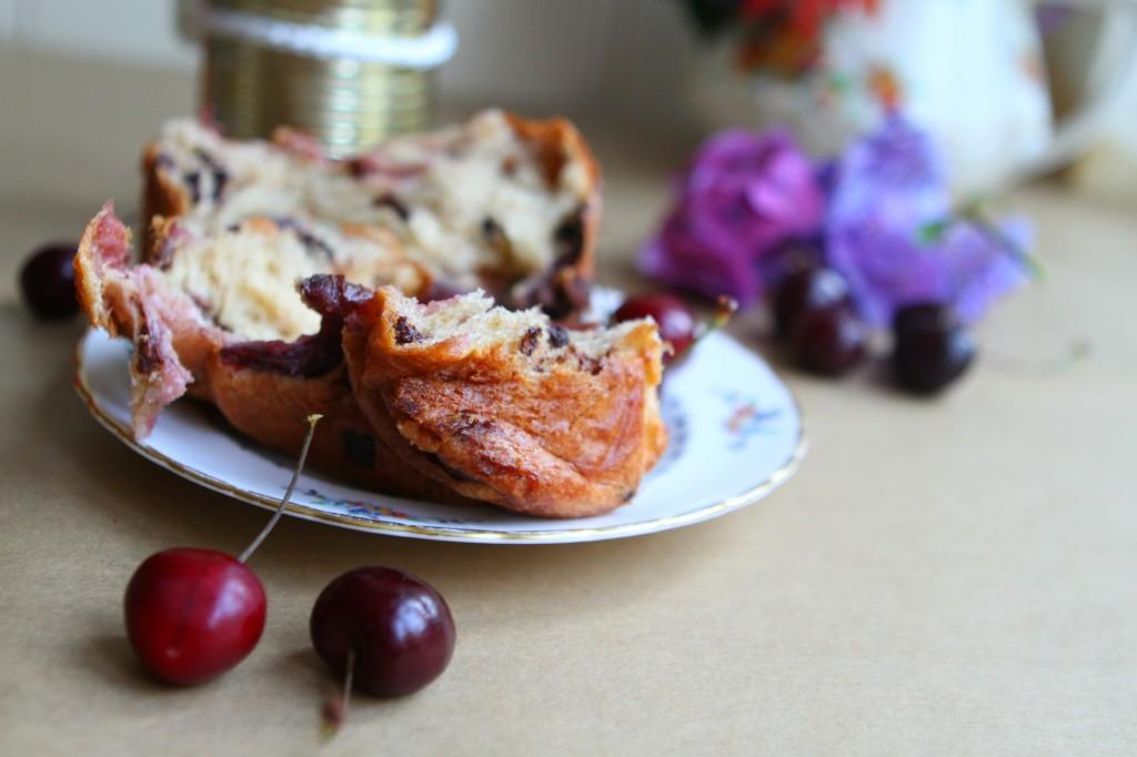 cherry-panettone