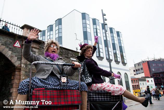 Derry-grannyT-02