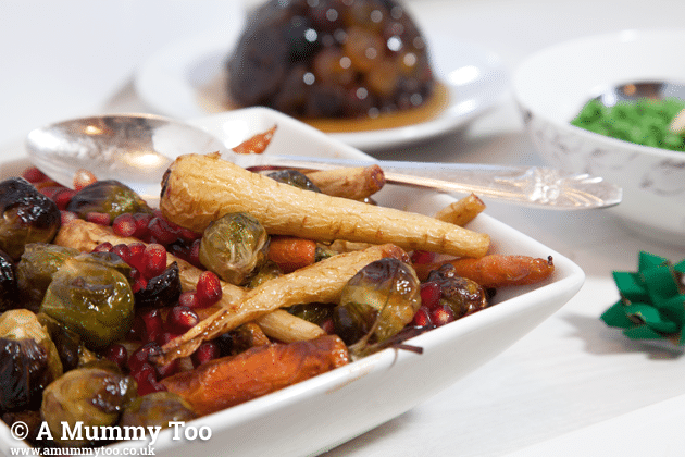 This no-meat meatloaf with honey roast vegetables is a tasty, quick vegetarian festive dinner