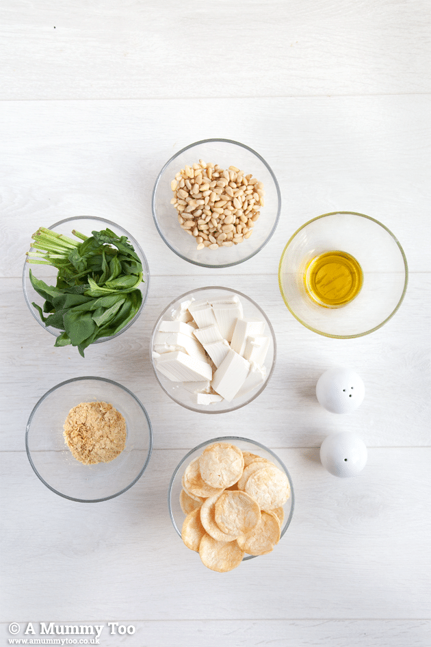 Ingredients for this delicious vegan creamy pesto dip