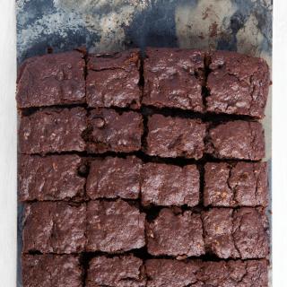 Wholegrain dark chocolate brownies