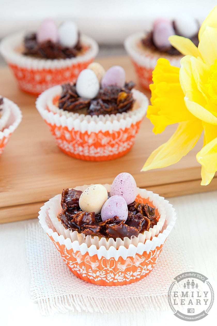Fancy some Easter baking with the kids? These Easter nest cupcakes are cute sponge cupcakes topped with chocolate cornflake nests!