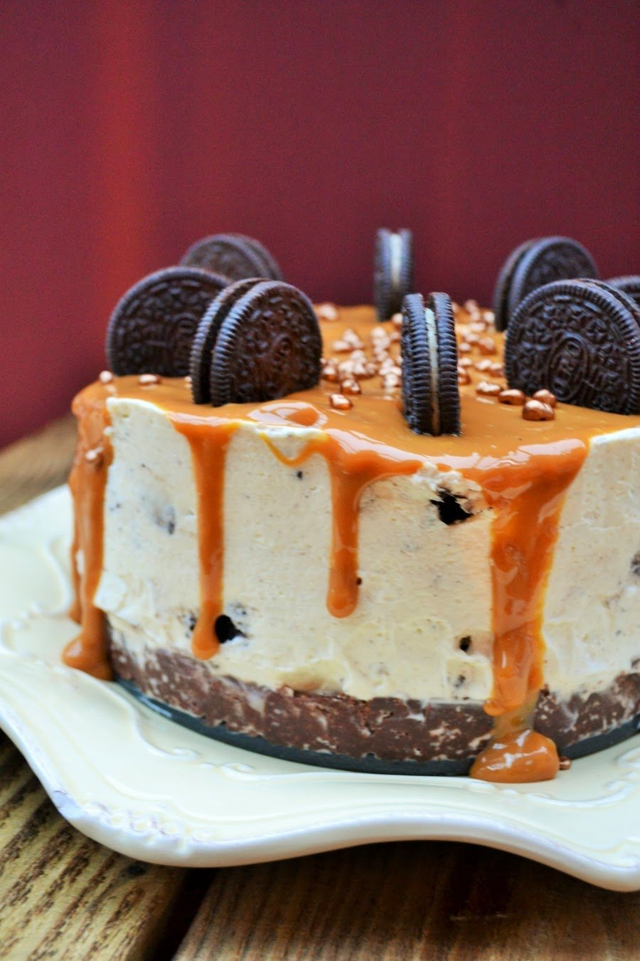 oreo and caramel cheesecake