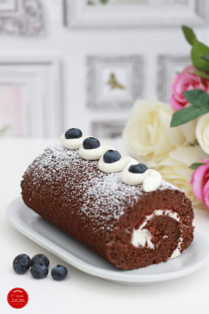 Blueberry-Chocolate-Roulade