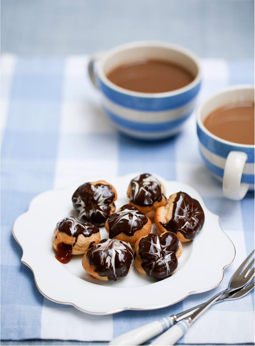 Chocolate caramel choux bites - profiteroles with a surprise inside!