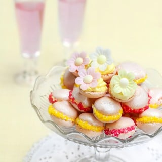 A gorgeous, colourful French macaroon (macaron) recipe