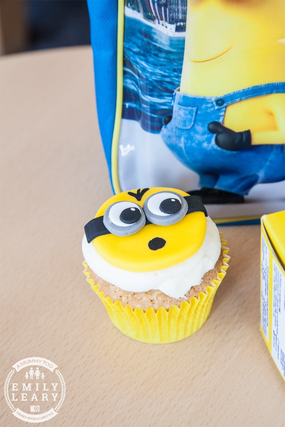ZSL-Whipsnade-Minions-Frubes-Cake