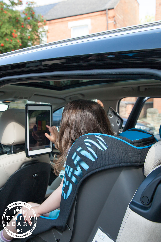 BMW-MISSJ-sitting-web