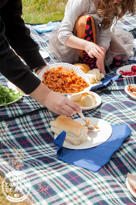 Picnic serving pasta