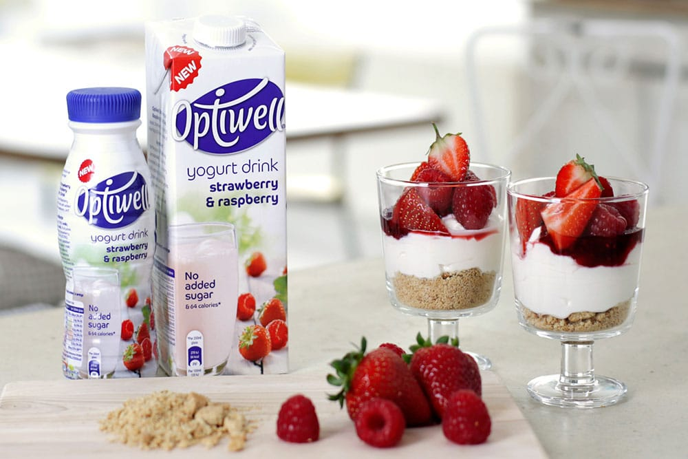 Quick and delicious berry yogurt cheesecakes made with Optiwell yogurt drink