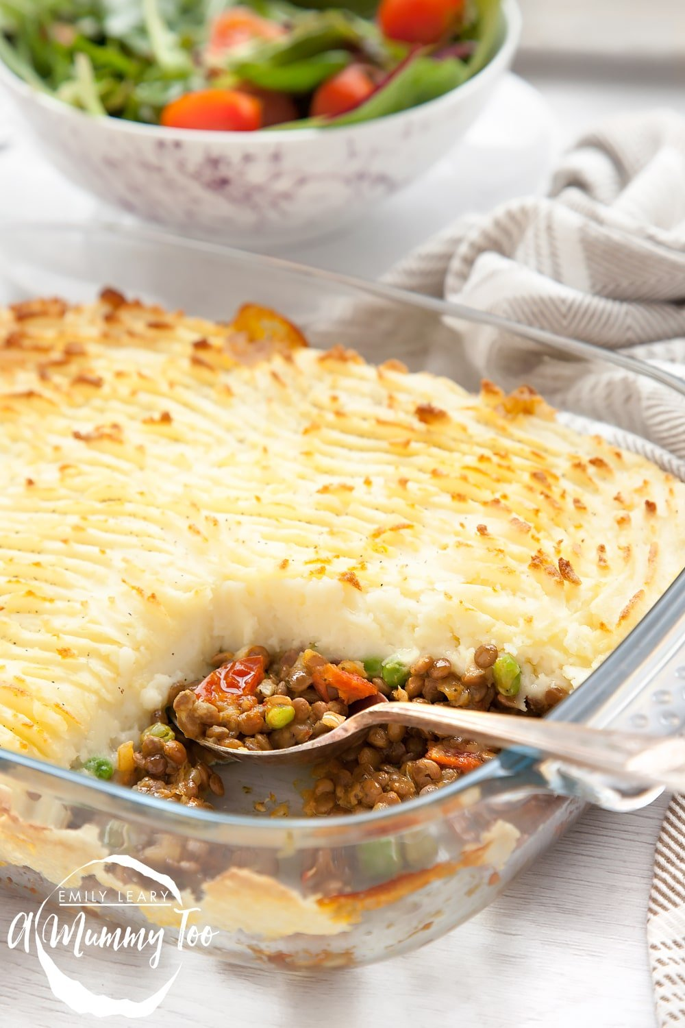 A simple vegetarian shepherds pie made with spicy lentils and a creamy mashed potato topping. This really clever recipe uses just THREE frozen products to put together a super quick, healthy and delicious meal.