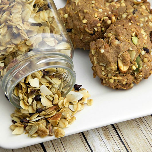 toasted muesli protein cookies by om nom ally