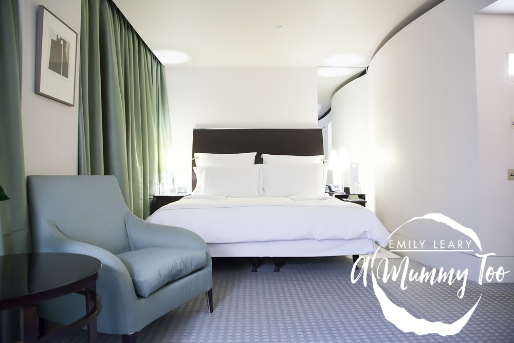 One-Aldwych-hotel-master-bedroom-2