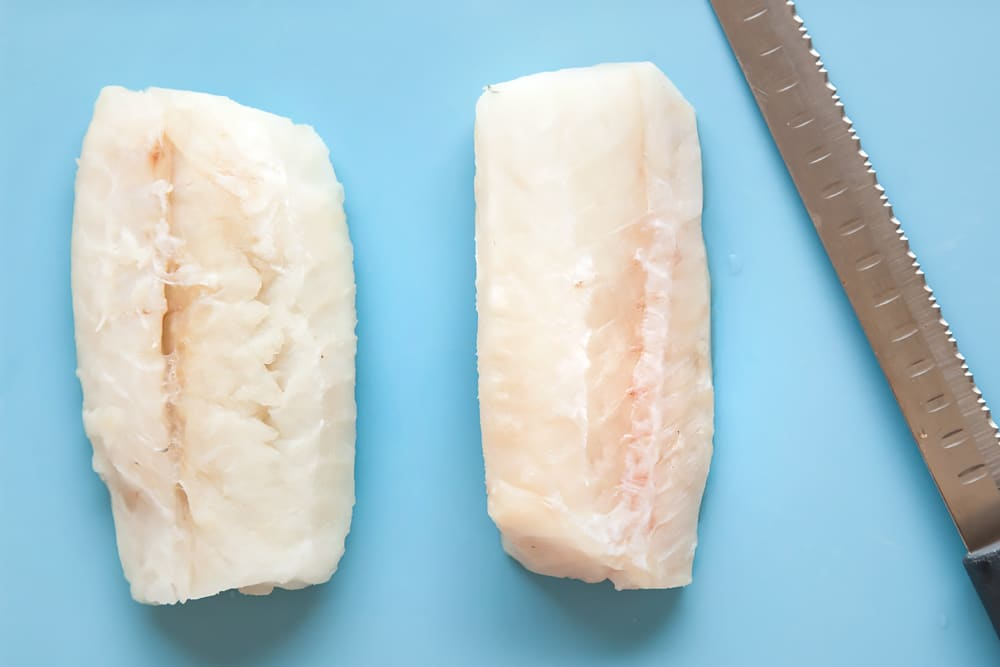 Prepare the cod for the homemade fish fingers