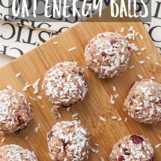 Cranberry and oat energy balls (raw, vegan)