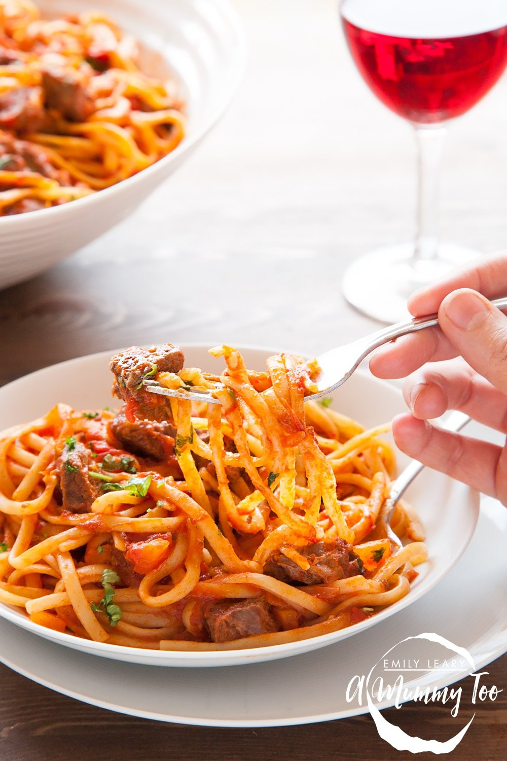 one-pot-beef-ragu-linguine-on-fork