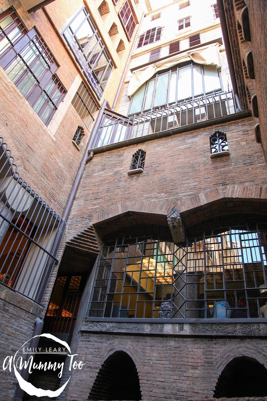 Palau-Güell,-Barcelona-18