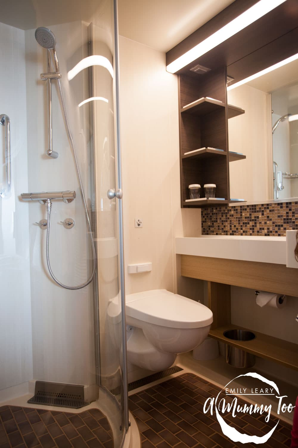 harmony-of-the-seas-suite-bathroom