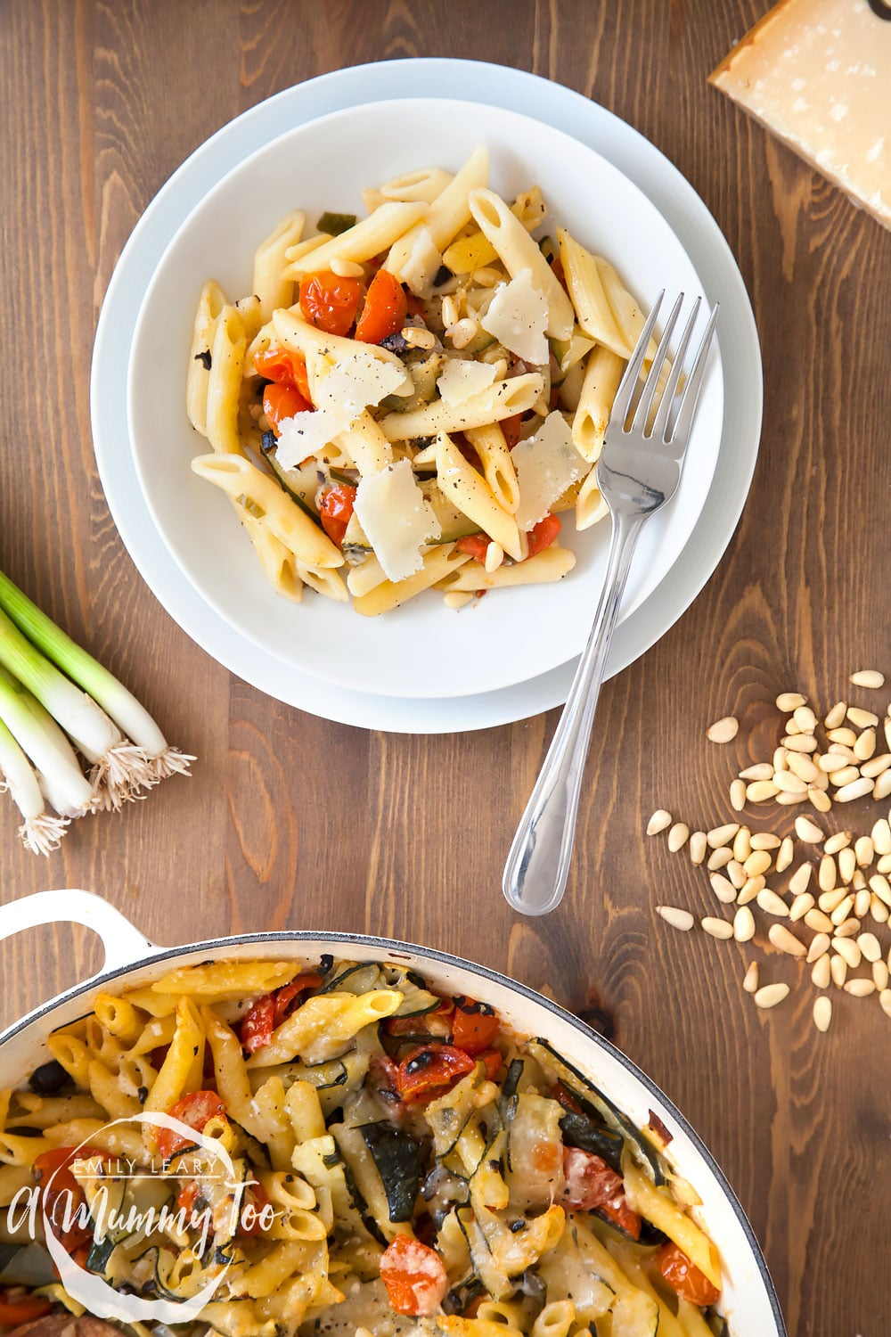 Serve your courgette and black olive pasta gratin and enjoy!